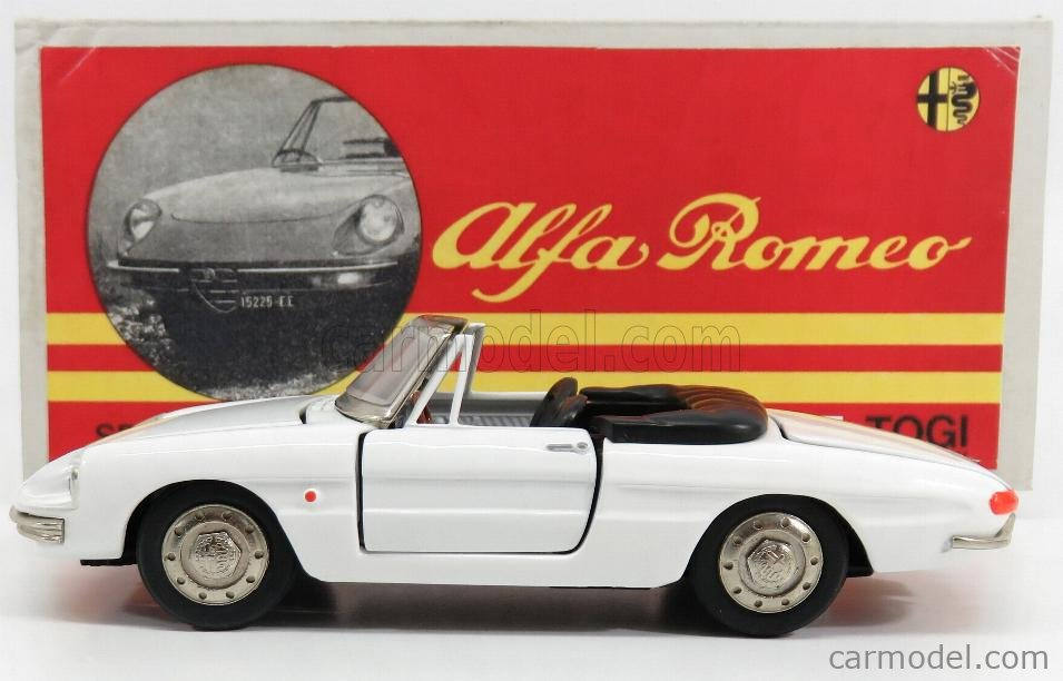 TOGI 9/68 Masstab: 1/23  ALFA ROMEO  DUETTO SPIDER 1600 1966 - OSSO DI SEPPIA WHITE