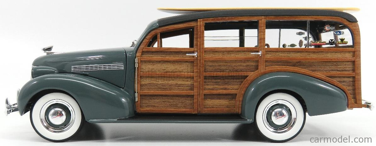 SUNSTAR 1:18 AMERICAN COLLECTIBLES 1939 WOODY SURF WAGON WITH SURFBOARD SS6177