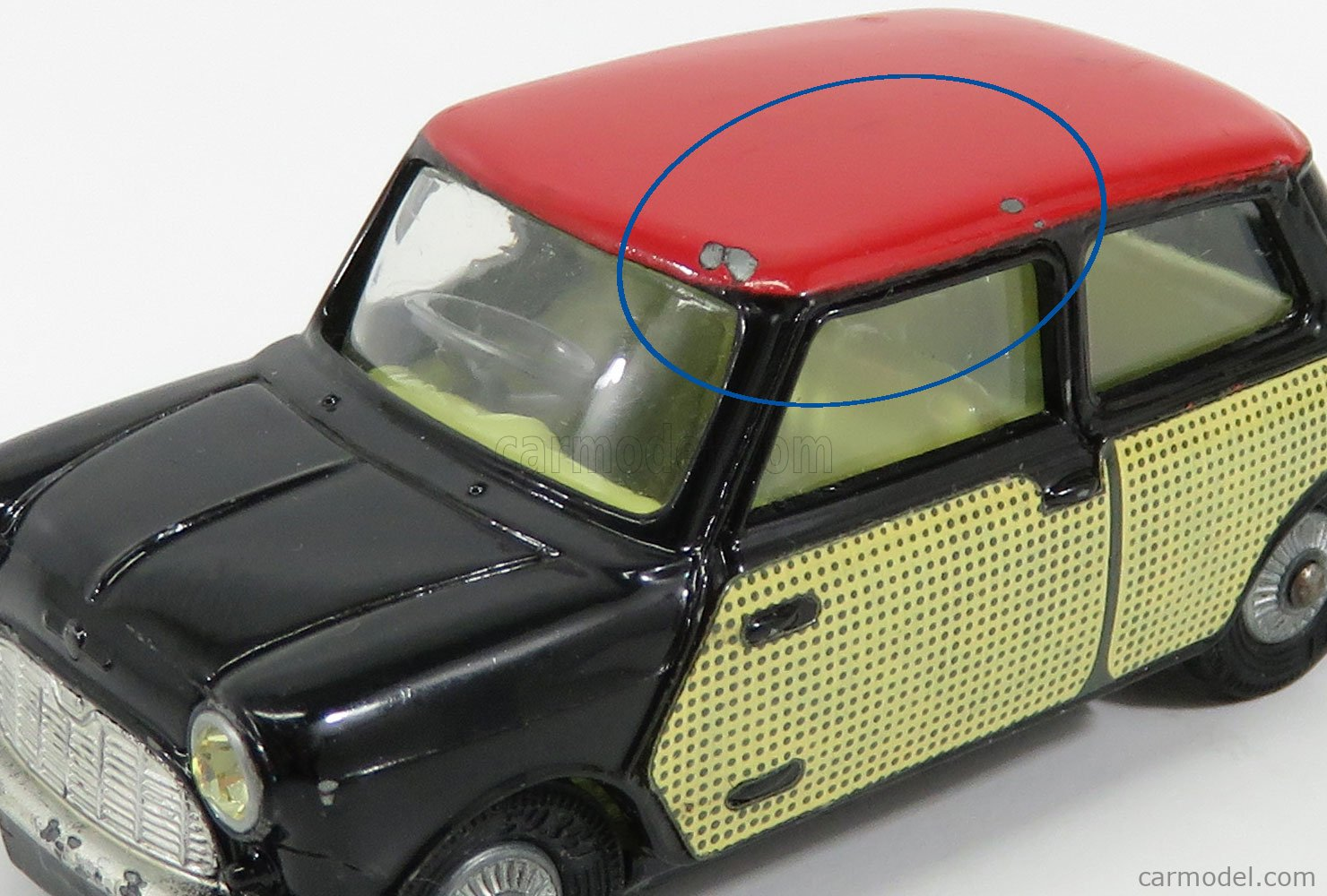 CORGI 249 Masstab: 1/43  MORRIS MINI COOPER WICKERWORK BLACK RED