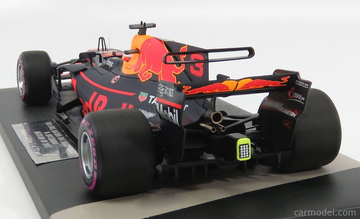 MINICHAMPS 117171803 Масштаб 1/18  RED BULL F1  RB13 TAG HEUER N 3 MEXICAN GP 2017 D.RICCIARDO BLACK RED YELLOW