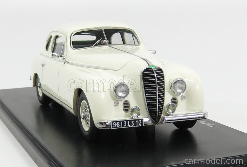 ESVAL MODEL EMEU43010B Масштаб 1/43  DELAHAYE 135M COUPE BY GUILLORE 1949 WHITE