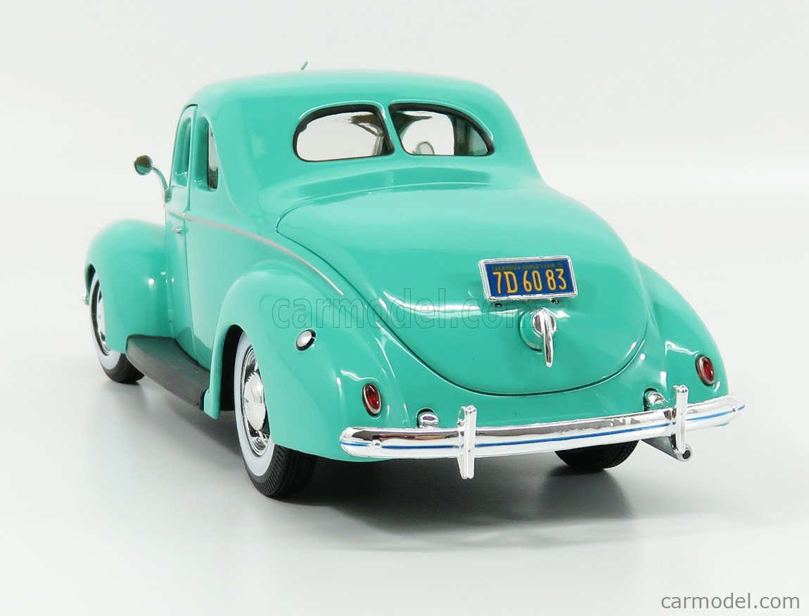 MAISTO 31180T Масштаб 1/18  FORD USA DELUXE 2-DOOR 1939 TORQUOISE