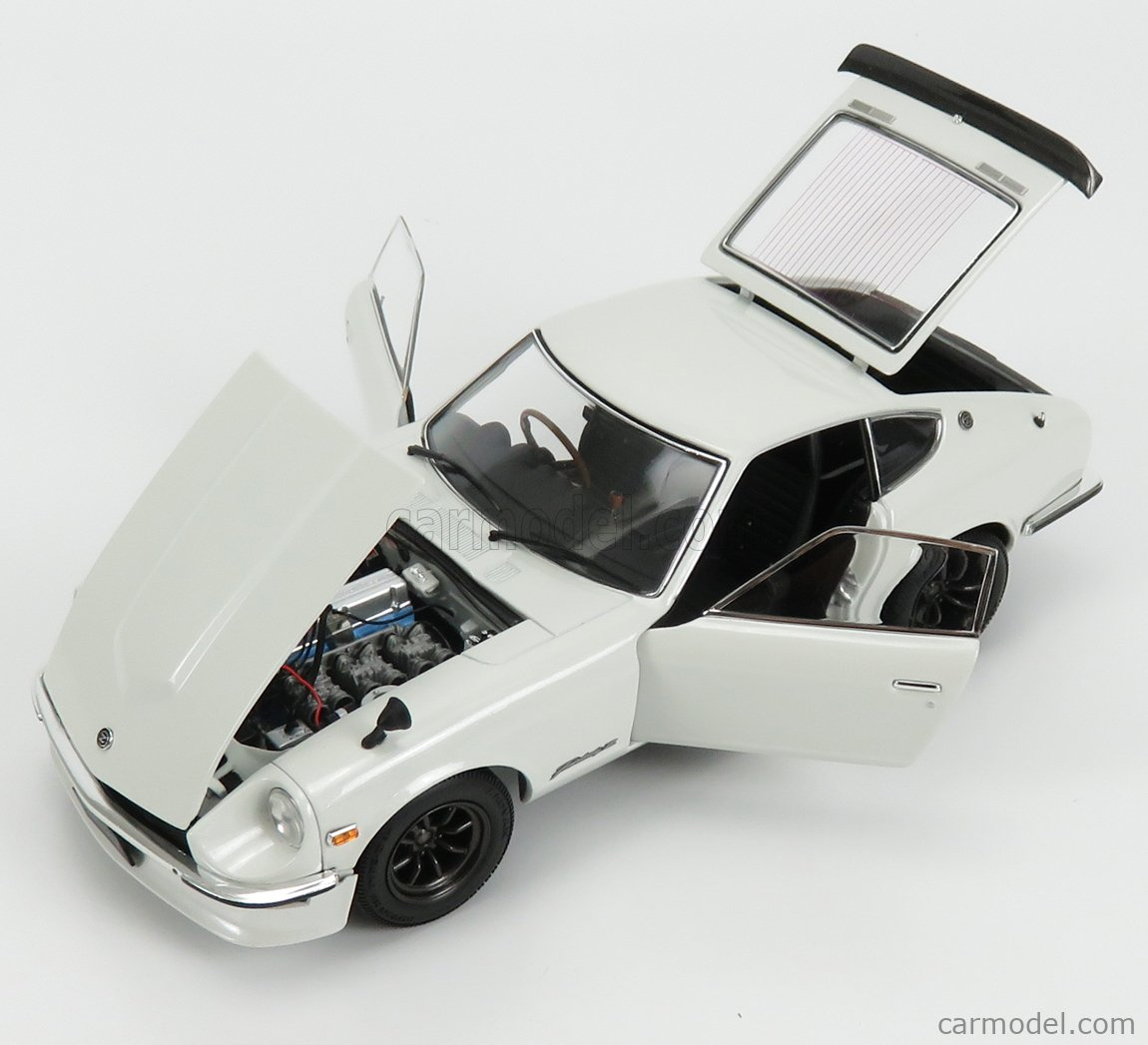 KYOSHO 08220WP Scale 1/18  NISSAN FAIRLADY Z-L (S30) 1970 WHITE PEARL MET