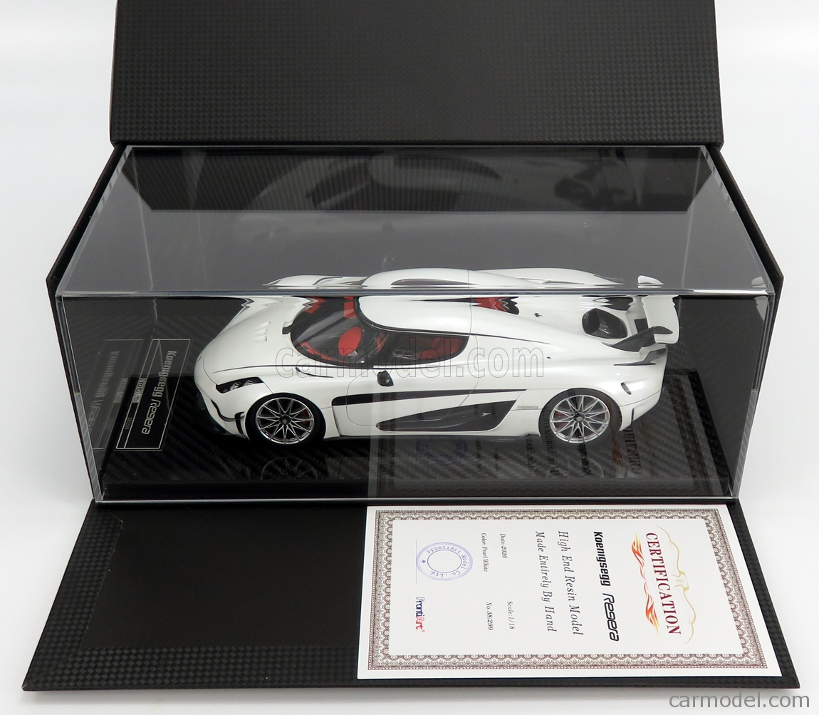 FRONTI-ART F071-29 Scale 1/18  KOENIGSEGG REGERA 2016 - CON VETRINA - WITH SHOWCASE WHITE PEARL MET