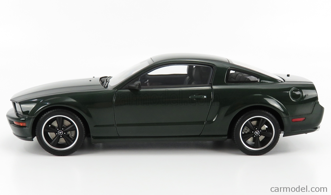 AUTOART 73066 Scale 1/18  FORD USA MUSTANG GT BULLIT 2008 GREEN