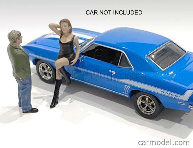AMERICAN DIORAMA 38351 Echelle 1/43  FIGURES SET 2X 70s STYLE WOMAN + MAN - 1 BLACK BLUE GREEN