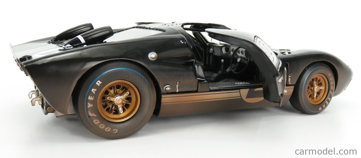 SHELBY-COLLECTIBLES SHELBY431 Scale 1/18  FORD USA GT40 MKII 7.0L V8 TEAM SHELBY AMERICAN INC. N 2 DIRTY VERSION WINNER 24h LE MANS 1966 B.McLAREN - C.AMON BLACK SILVER