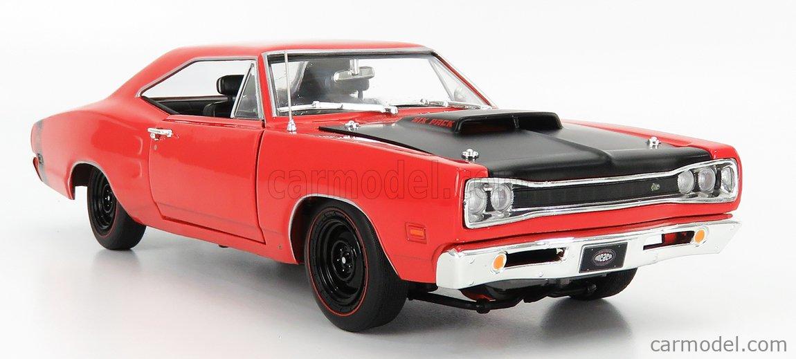 AUTOWORLD AMM1231/06 Масштаб 1/18  DODGE SUPER BEE (MCACN) R4 HARD-TOP 1969 RED MATT BLACK