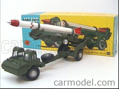 CORGI 1113 Echelle 1/43  CORPORAL GUIDED MISSILE ON ERECTOR VEHICLE MILITARY GREEN