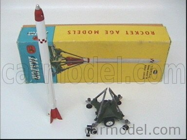 CORGI 1112 Echelle 1/43  CORPORAL GUIDED MISSILE ON MOBILE LAUNCHER MILITARY GREEN