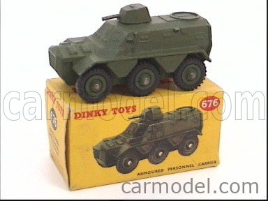 DINKY ENGLAND 676 Масштаб 1/50  TANK ARMOURED PERSONNEL CARRIER MILITARY GREEN