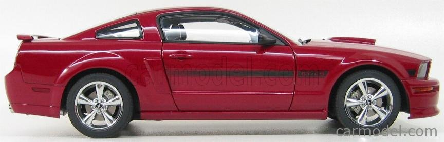 AUTOART 73112 Echelle 1/18  FORD USA MUSTANG GT COUPE 2007 CALIFORNIA SPECIAL RED