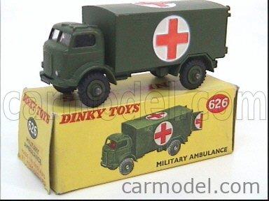 DINKY ENGLAND 626 Echelle 1/50  TRUCK MILITARY AMBULANCE MILITARY GREEN