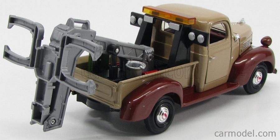 MOTOR-MAX 75342 Scale 1/24  PLYMOUTH  WRECKER PICK-UP CARRO ATTREZZI 1941 LIGHT BROWN DARK RED MET