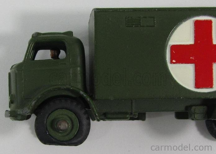 DINKY ENGLAND 626 Echelle 1/50  TRUCK MILITARY AMBULANCE + FIGURES MILITARY GREEN