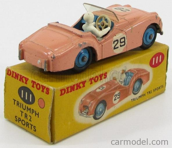 DINKY ENGLAND 111 Escala 1/43  TRIUMPH TR2 SPORTE N 29 RACING CAR WITH DRIVER PINK
