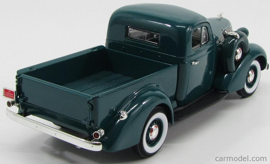LUCKY-DIECAST LDC92458GR Масштаб 1/18  STUDEBAKER COUPE EXPRESS PICK-UP 1937 GREEN