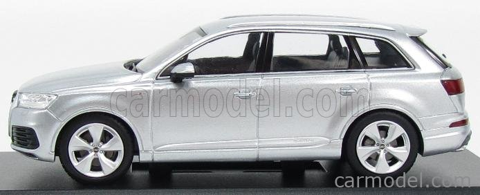 SPARK-MODEL 5011407613 Scale 1/43  AUDI Q7 V8 TDI QUATTRO S-LINE 2014 FOIL SILVER