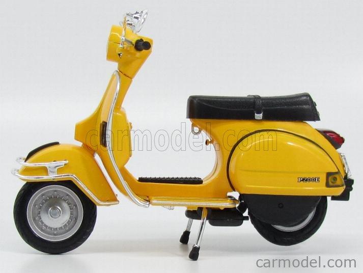 NewRay 42213-Moto Modèle 1:12 42213-Vespa 1978 P200E 16 cm Modèle