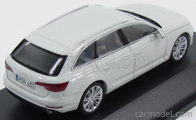 SPARK-MODEL 5011504213 Scale 1/43  AUDI A4 AVANT 2015 GLACIER WHITE